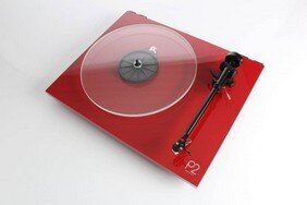 rega-planar-2-hi-fi-turntable-red (1).jpg