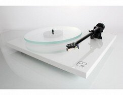 rega-planar-2-turntable (2).jpg